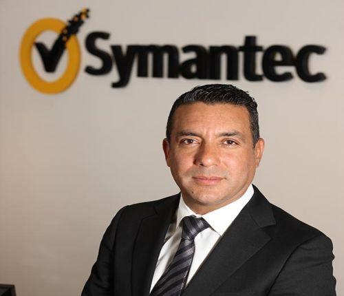 Oscar Chavez-Arrieta,  Director de Canales y Socios Estratégicos de Symantec.